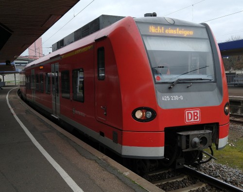 S-Bahn, nicht einsteigen!